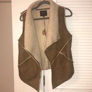 Sanctuary Shearling Suede Brown Vest. Size Medium